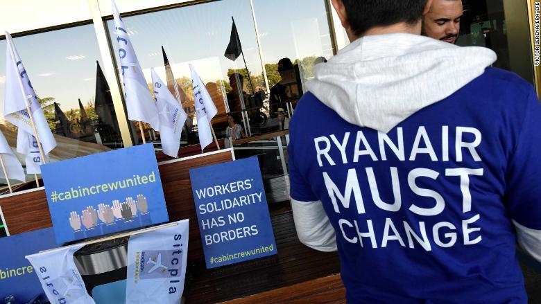 02 Ryanair demonstration 0928 RESTRICTED