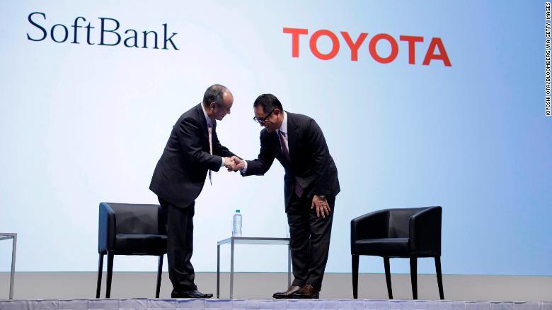 01 Toyota Softbank 1004 RESTRICTED