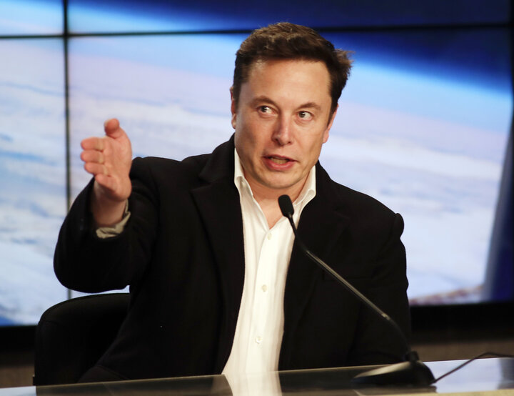 Elon Musk's company Tesla proposed the building of solar power microgrids on the Puerto Rican islands of Vieques and Culebra.