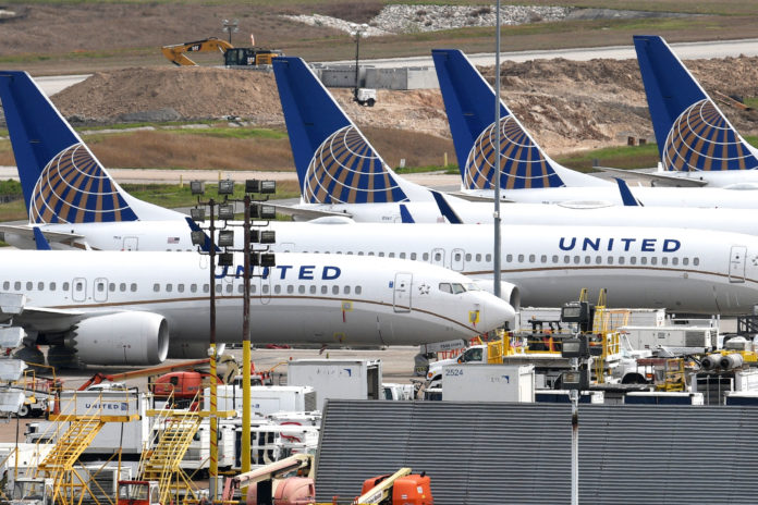 United orders 50 long-range Airbus jets to replace older Boeing planes