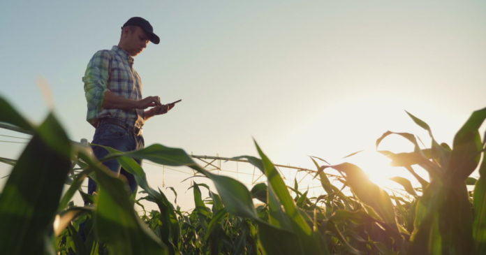 FCC rolls out a $9 billion fund for rural 5G connectivity