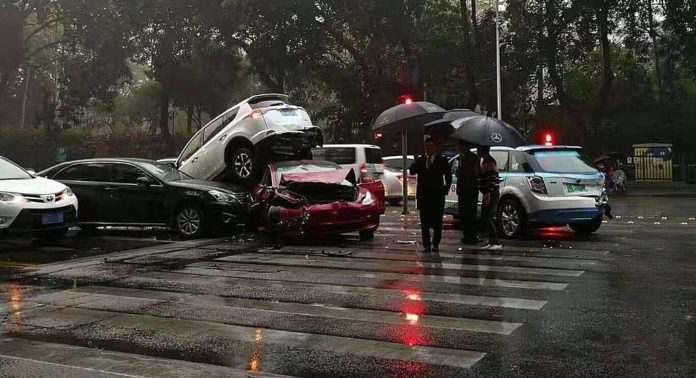 Tesla Model 3 shows off 5-star safety and insane roof strength in multi-car pileup