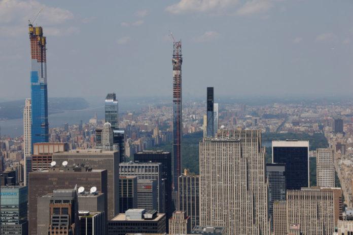 Sales of Manhattan's priciest apartments plunge almost 40% in fourth quarter