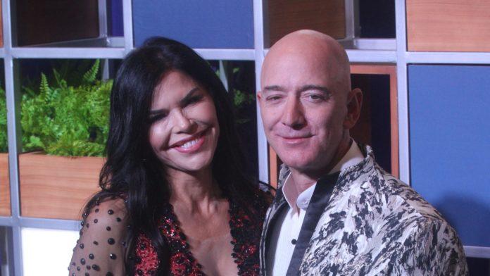 Jeff Bezos, Lauren Sanchez make red carpet debut