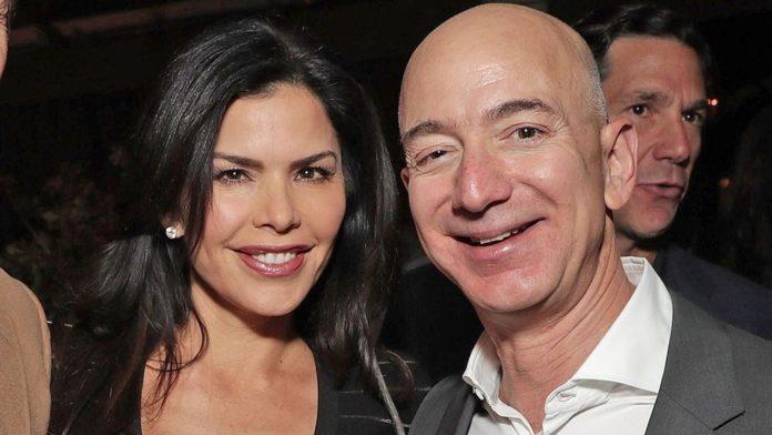 Jeff Bezos texts to mistress: History of a scandal