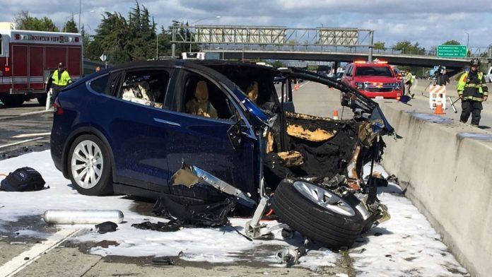 Tesla driver 'complained about autopilot defect' before fatal car crash