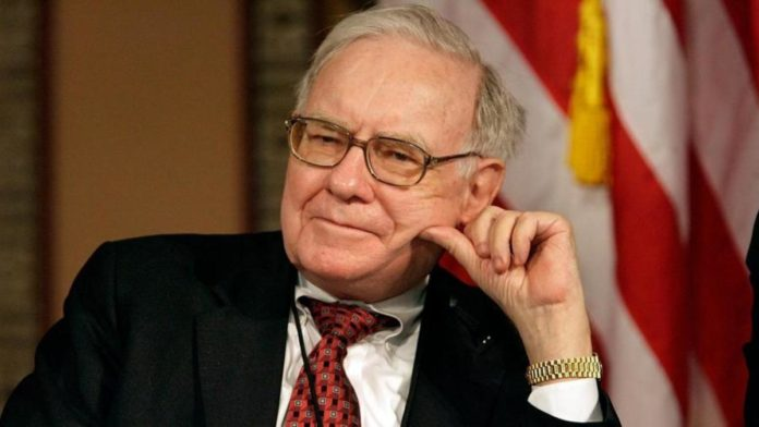 Warren Buffett's Berkshire Hathaway Takes Stakes in Kroger, Biogen; Cuts Banks and Apple