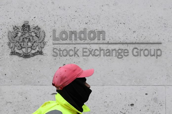 Stocks fall as U.S. virus response disappoints investors