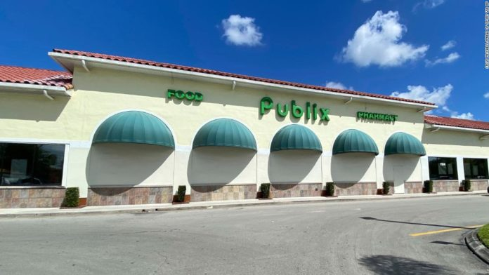 Publix, Giant and other grocery stores are changing hours to cope with shopping frenzies. Here's what you need to know