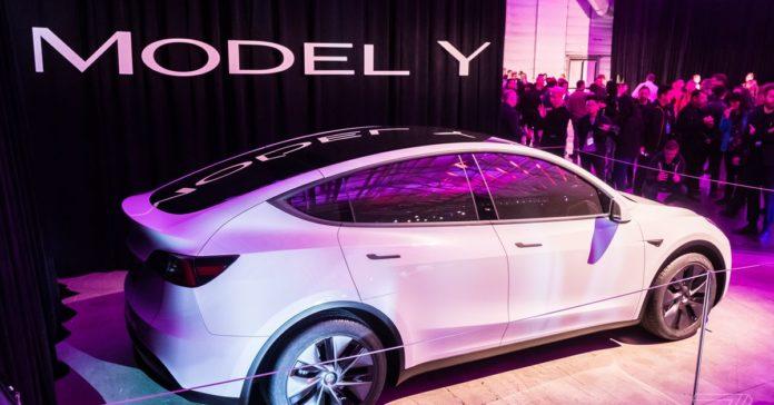 Tesla Model Y deliveries begin in the US