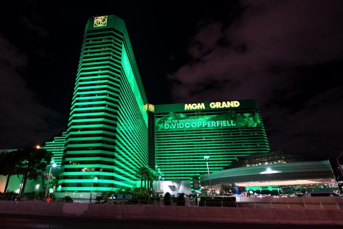 Las Vegas Strip Goes Dark As MGM, Wynn Shutter Casinos Until May