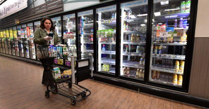 Instacart Shoppers Plan to Strike Over Coronavirus Protections