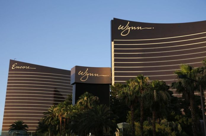 Wynn CEO calls for conditional reopening of Las Vegas Strip in mid