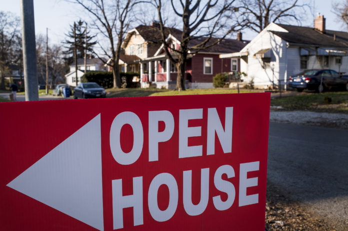 Mortgage applications from buyers jump 11%, signaling the spring housing market may not be a total loss