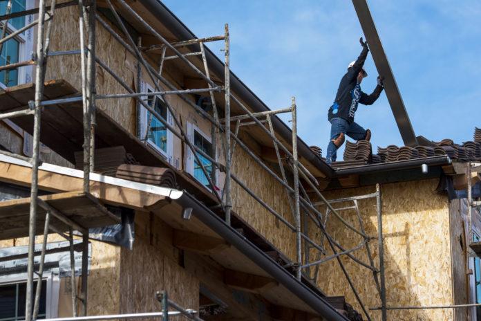 U.S. housing starts fall sharply in April
