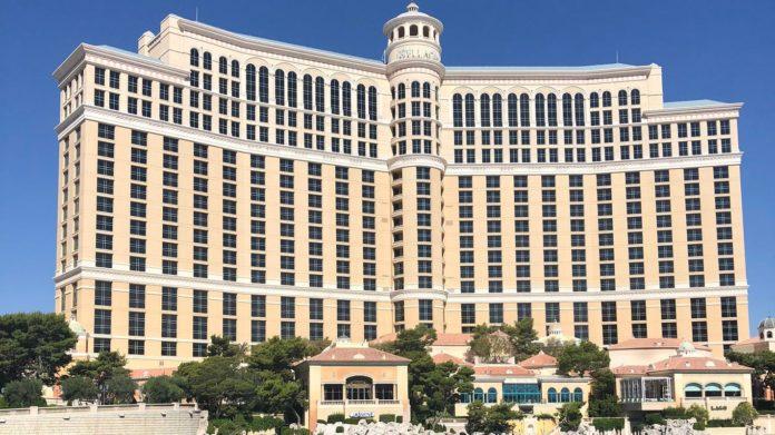 Las Vegas Strip reopening scenes: Foot traffic light, but Bellagio fountains dancing