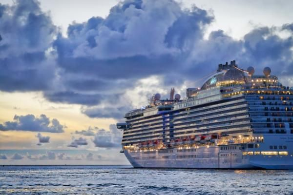 Norwegian, Carnival, Royal Caribbean Extend Losses As CDC Furthers Cruise Sail Ban
