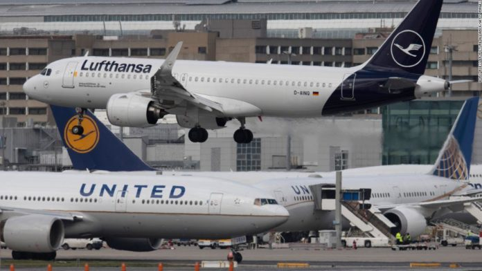 Airlines appeal for coronavirus testing to restore transatlantic flights