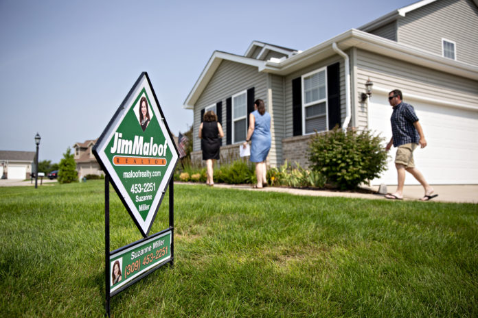 Weekly mortgage demand from homebuyers jumps even higher, up 19% annually