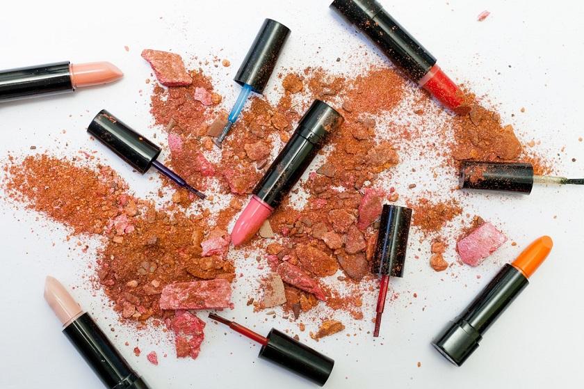 makeup companies lipsticks sales dip COVID