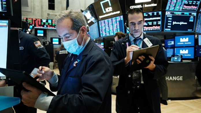 US stocks open higher to start the month