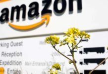 Feds charge 6 people with bribing Amazon employees