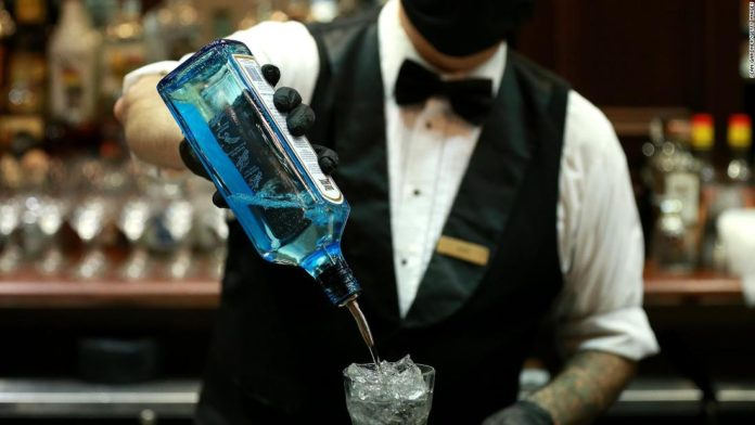 New Orleans restaurants can now serve alcoholic beverages as to-go drinks