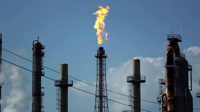 Oil falls as surging virus cases cloud demand outlook
